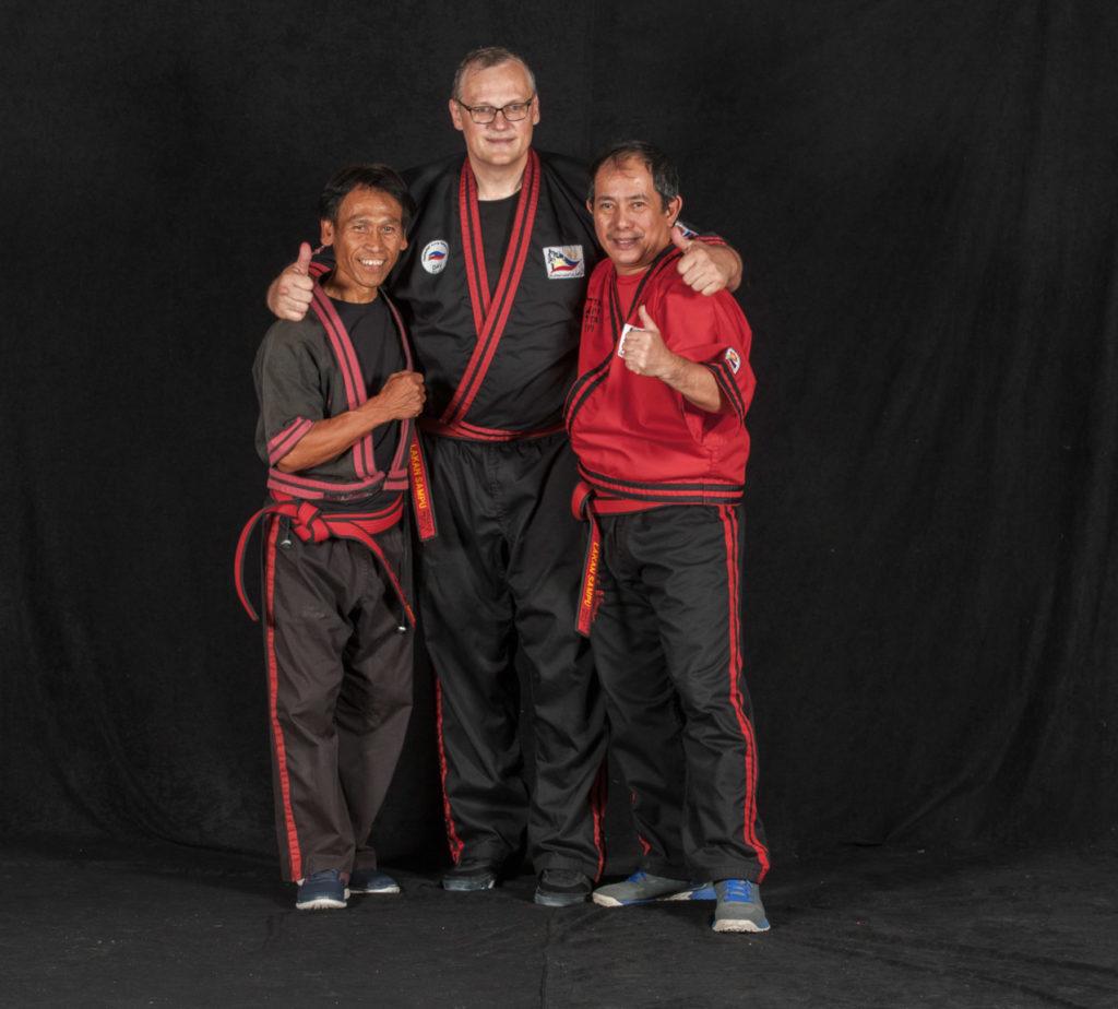 Ninja Turtle Michelangelo alias Datu Shishir Inocalla und GM Bambit Dulay beim TSC Eintracht