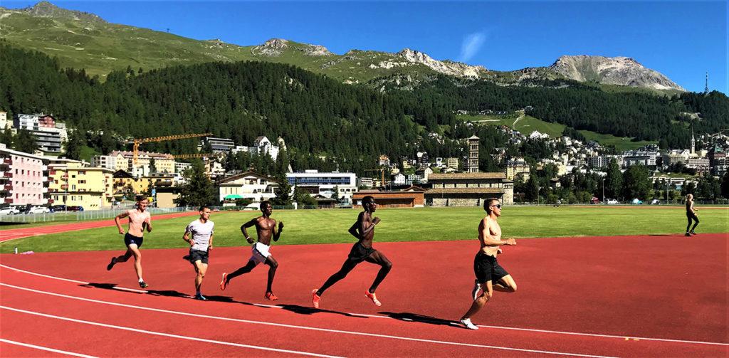 Training vor beeindruckender Kulisse: Die Läufer der LG Olympia Dortmund bereiten sich in St. Moritz auf die nächsten Titelkämpfe vor.