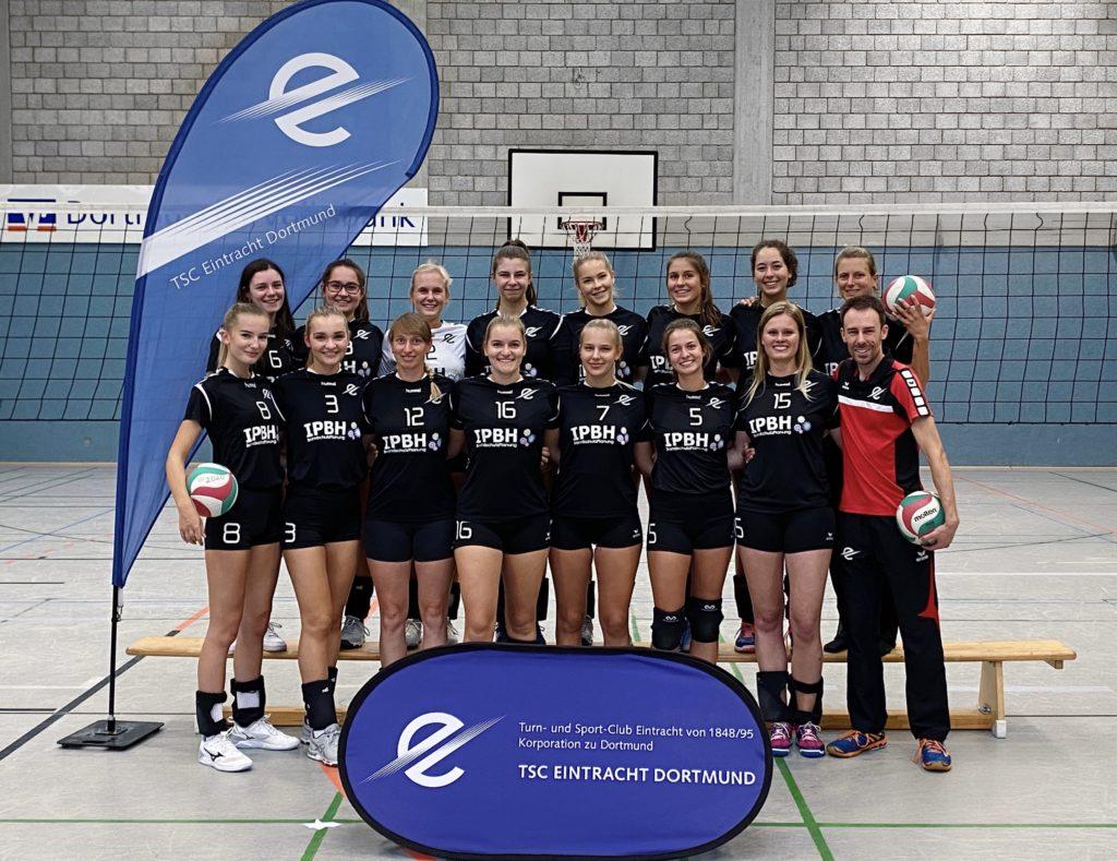Die Volleyball Damen des TSC Eintracht Dortmund vor ihrem zweiten Saisonspiel.